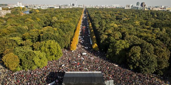 Grande manifestazione a Berlino contro il TTIP